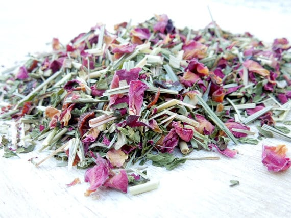 Unique Gifts for Tired Mom to Show You Care - Awaken Organic Herbal Loose Tea is another great way to find some energy as a mom!