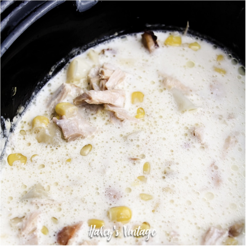 What can you do with all that leftover turkey? How about making some Turkey Corn Chowder in your slow cooker? Easy and no fuss recipe your family will love!